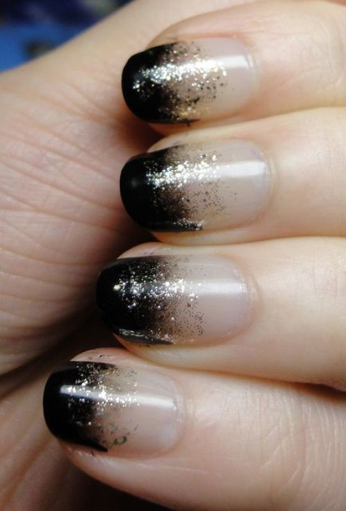 Cool-nail-polish-ideas-with-half-black-and-half-white-and-silver-glitters